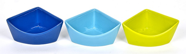 Chew proof Corner Dish Large