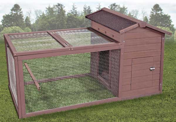 Premium Plus Hen Hut with Yard by Ware Mfg.